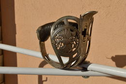 Poignée De Sabre D'officier De Cavalerie Prussienne Modèle 1889 - 14/18 - Armes Blanches