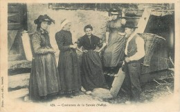74 - VAILLY - COSTUMES DE LA SAVOIE - CPA ANIMEE - VOIR SCANS - Zonder Classificatie