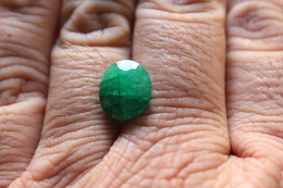 64 - Smeraldo - C.t. 9.45 - Emerald