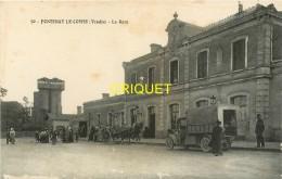 85 Fontenay Le Comte, La Gare, N°1, Charrettes, Camion Militaire.... - Fontenay Le Comte