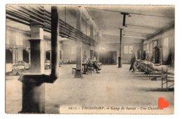 11657-LE-ALLEMAGNE-TROISDORF-Camp De Savoie-Une Chambrée---------animée - Troisdorf