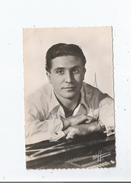 GILBERT BECAUD CARTE AVEC AUTOGRAPHE (PHOTO STUDIO HARCOURT PARIS) - Autographs