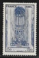 N° 666  FRANCE  -  NEUF -   CATHEDRALE BEAUVAIS   AU PROFIT ENTRAIDE FRANCAISE  - 1944 - Neufs