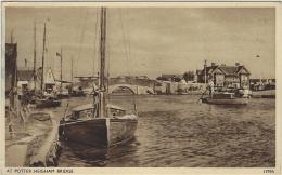 AT POTTER HEIGHAM BRIDGE - Ed. J Salmon LTD - Non Classés
