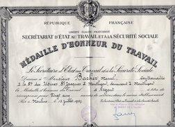 VP5940 - MOULINS - Diplome - Médaille Du Travail à Mr BARBIER Contremaitre Aux Usine St Jaques à MONTLUCON - Diplômes & Bulletins Scolaires