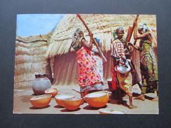 KA / Werbepostkarte 1958 Maggi Karte VII Ghana Gold Coast. Preparing Cassava. - Ghana - Gold Coast