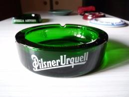 CENDRIER -    PILSNER URQUELL -      Rond, Diàmètre 14,5cm, Ht: 4 Cm, Verre - Cendriers