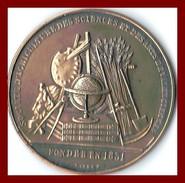 Médaille Valenciennes Société D'agriculture Des Sciences Et Des Arts Nord France Bronze TBE - Professionals / Firms