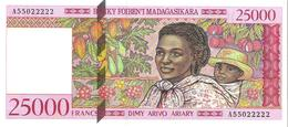 Madagascar - Pick 82 - 25000 Francs = 5000 Ariary 1998 - Unc - Serial With Five Consecutive Numbers ***RARE*** - Madagascar