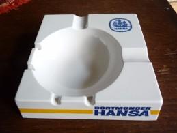 BRASSERIE - CENDRIER  -- DORTMUNDER HANSA  --    Carré, Côté 15 Cm, Ht: 3,8cm, Plastique Ornamin - Cendriers