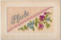 N°6201 - Carte Brodée - Prénom PHOEBE Sur Fond Rose - Brodées