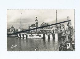 CPSM   - En Côte D'Opale -  Dunkerque  (Nord ) - Le Dick , Bateau Feu Et Le Quai Des Hollandais - Dunkerque