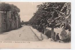 CPA.50.Avranches.Boulevard Du Nord.animé Un Homme Assis Sur Un Banc.