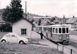 Chemin De Fer, Toggenburgerbahn, Train Et Voiture VW à Bendlehn Photo 1967 BVA TB 181.7 - Eisenbahnen