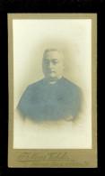 Foto ( 87 ) Op Hard Karton Broeder ? Priester  - Photo - Fotograaf  Photographe J.Meeus - Verbeke Louvain Leuven - Anonieme Personen