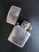 Ancien Briquet ZIPPO STRIE  Code: L V - Zippo