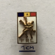 Badge (Pin) ZN003566 - Wrestling (Lupte) Federation Romania (FRL) - Worstelen