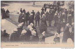 56. Morbihan : Ploermel  . Les Environs : Noce Bretonne . La Ronde . - Ploërmel