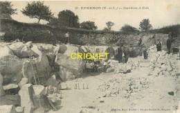 28 Epernon, Les Carrières De Grès, Ouvriers Au Travail...., Carte Pas Très Courante - Epernon
