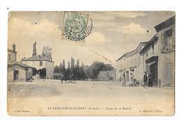 SAINT-REMY-DE-CHARGNAT  (cpa 63)  Plaace De La Mairie  -       - L 1 - Altri Comuni
