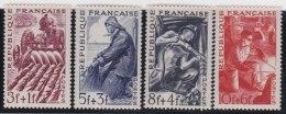 France   .      Yvert    .      823/826            .        **       .       Neuf   SANS  Charniere