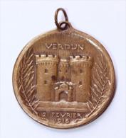 """WWI - Beau Pendentif Médaille De Bronze """"On Ne Passe Pas / Verdun 21 Février 1916"""" WWI - 1914-18"""