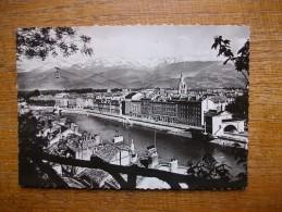 Grenoble , L'isère , Le Téléférique Et Les Alpes
