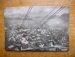 Grenoble , Téléférique De La Bastille , Perspective Sur La Ville