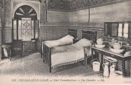 MAROC - FEZ - DAR OULD JAMAI - HOTEL TRANSATLANTIQUE UNE CHAMBRE - Fez (Fès)