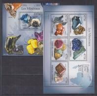 W12 Comoros - MNH - Minerals - 2011