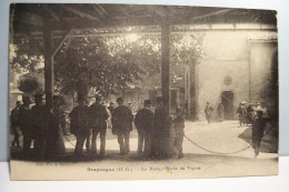 GRAGNAGUE    ---  La  Halle -Sortie De Vepres - France