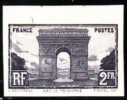 FRANCE - N° 258A** - ARC DE TRIOMPHE - NON-DENTELE EN NOIR BORD DE FEUILLE - RARE. (petite Boucle) - Ungezähnt