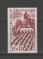 FRANCE / 1949 / Y&T N° 823 ** : Agriculteur - Gomme D´origine Intacte