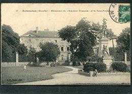 CPA - AVRANCHES - Monument Du Souvenir Français Et La Sous Préfecture, Animé