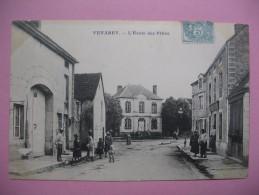 """CPA    Côte D'Or - Venarey  """" L'école Des Filles  """"  Voyagé - Venarey Les Laumes"""