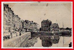 14 - HONFLEUR -- Le Quai Ste Catherine, Un Jour De Procession
