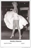 MARILYN MONROE - Film Star Pin Up PHOTO POSTCARD- Publisher Swiftsure 2000 (201/537) - Non Classés