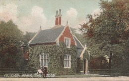1906 Colour Misch Card Victoria Park The Lodge E7 1/2d Stamp Victoria Docks Sq Circle Mirror Writing