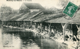 CPA - Romilly Sur Seine - La Gazette - Très Animée - Le Lavoir - Circulée  - Éditeur Thiébaut - Romilly-sur-Seine