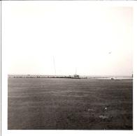"""""""BATEAU ECHOUE AU LARGE DE TROUVILLE  AOUT 1970""""  9x9cm - Boats"""
