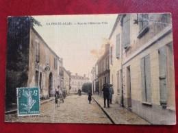 91 LA FERTE ALAIS Rue De L'Hotel De Ville (toilée Couleur) - La Ferte Alais