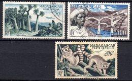 Madagascar  -  Yv.  PA 75/77  Obl.