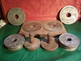VINTAGE ET ORIGINAL 1924 DESSOUS DE PLAT BOUTEILLE ET VERRES18 MONNAIES ANCIENNES 25 CENTIMES - Art Populaire