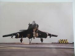 Tirage Photographique D'époque/Porte-Avions FOCH/Décolage D'un Super Etendard/ Marine Nationale/Années 60 - 70     MAR41 - Aviation