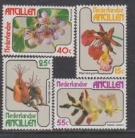 Antilles Néerlandaises N° 544 / 47  XX  Flore : Fleurs Des Antilles, Les 4 Valeurs  Sans Charnière, TB