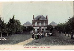 - 02 - ESSIGNY Le GRAND - La Place Et L'Ecole - Frankreich