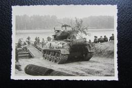 Char Sherman Américain  En Allemagne Région De Speyer - War, Military