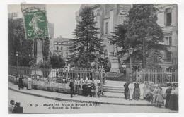 (RECTO / VERSO) ANGOULEME EN 1912 - N° 76 - STATUE DE MARGUERITE DE VALOIS AVEC PERSONNAGES - BEAU CACHET - CPA - Angouleme