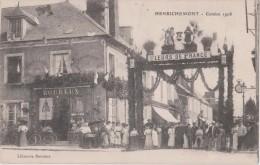 HENRICHEMONT  -  COMICE 1908  -  Librairie BOUREUX, Publicités Parapluie Et Toiles Cirées ( Carte Très Animée ). - Henrichemont