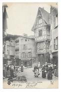 THIERS  (cpa 63)  Place Du Piroux - Marché  -   - L 1 - Thiers